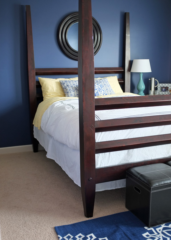 modern 4-poster bed