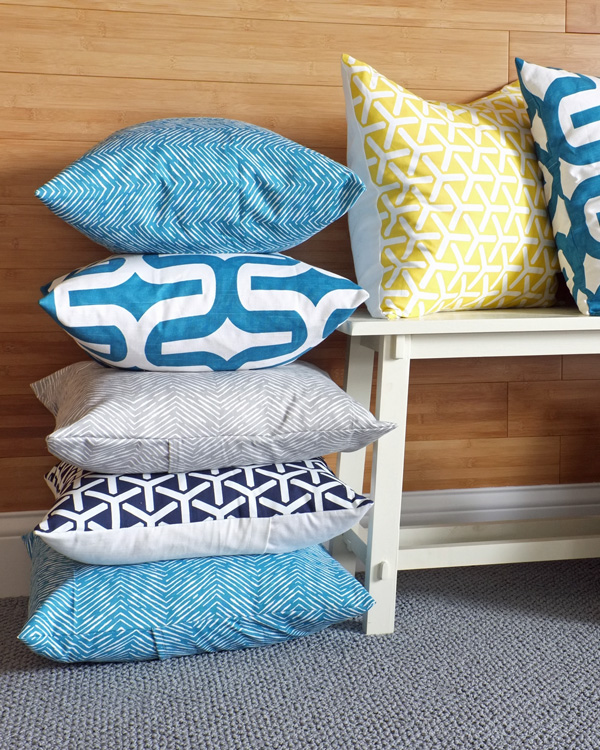 Make a Dozen or More Pillows in Less Than an Hour | tealandlime.com