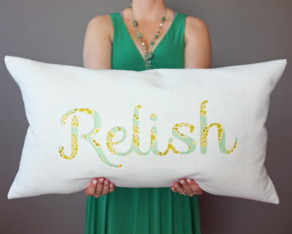 How To Make a Felt Engraved Pillow | Teal & Lime for Makelyhome.com