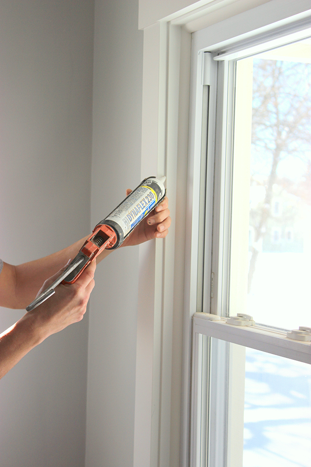 How to DIY Craftsman Style Window Trim | Home Coming for tealandlime.com