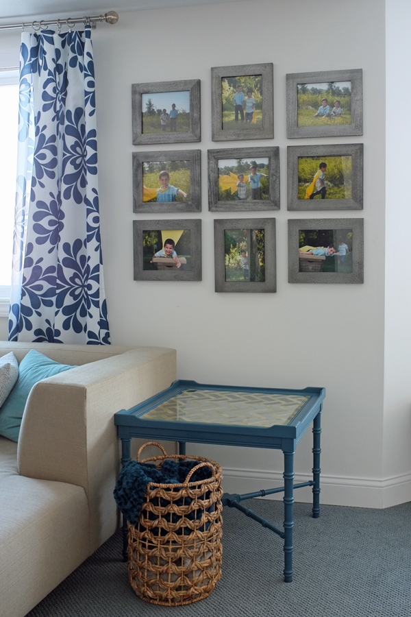 Matching frame photo gallery wall | tealandlime.com