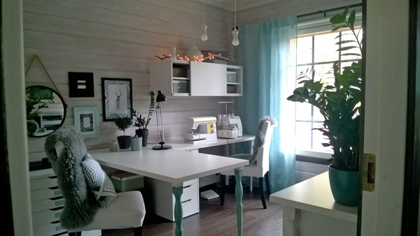 Such a clean and peaceful office and sewing room