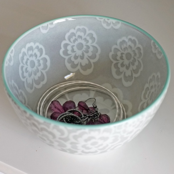 Decorative Trays And Bowls As Catch Alls In The Bedroom