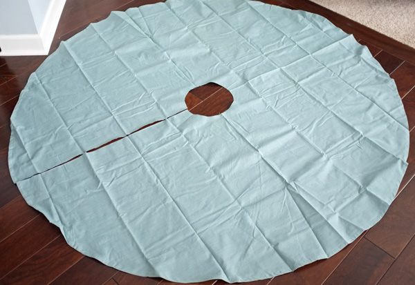 Round Tablecloth Tree Skirt