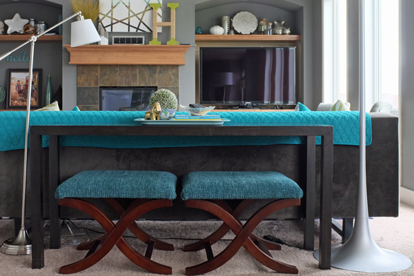 how-to-style-a-sofa-table-casual-5