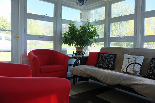 an-inviting-home-sunroom