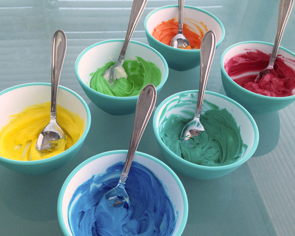 colored-frosting