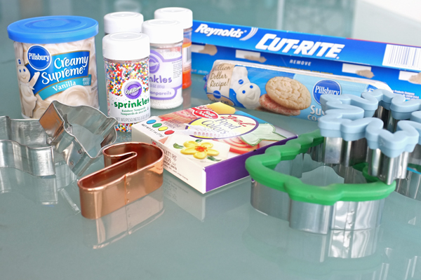 How to make easy cut out sugar cookies from refrigerated dough   tealandlime.com