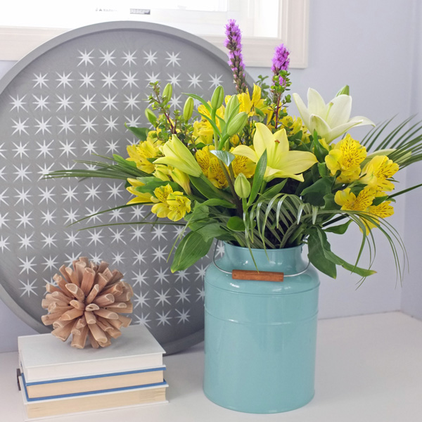 Learn how to arrange and decorate with flowers