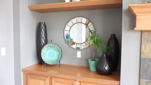 Home staging with decorative mirrors