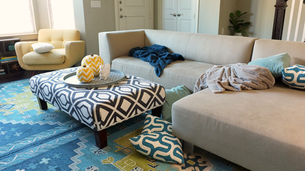 The Throw Pillows Experiment | School of Decorating