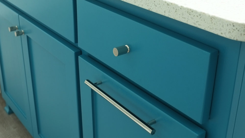 long drawer pull on trash pullout